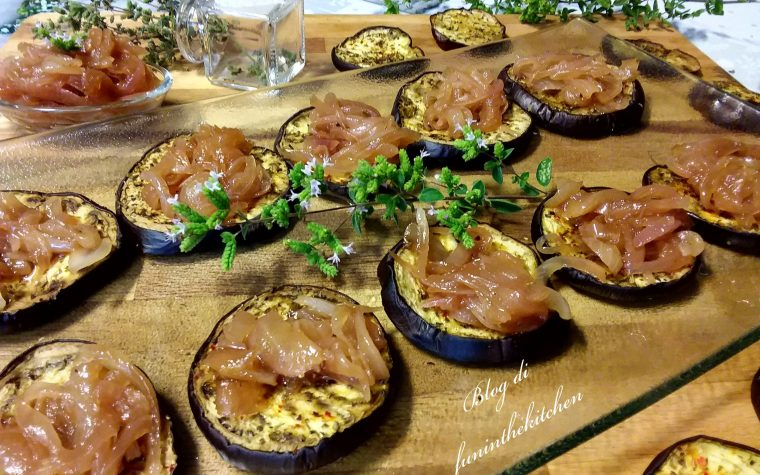Melanzane al forno con cipolle in agrodolce